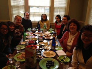 Tutte le studentesse di italiano a mangiare insieme: grazie a tutte di essere venute!